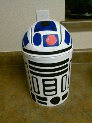 DIY Star Wars R2D2 Trash Can Craft