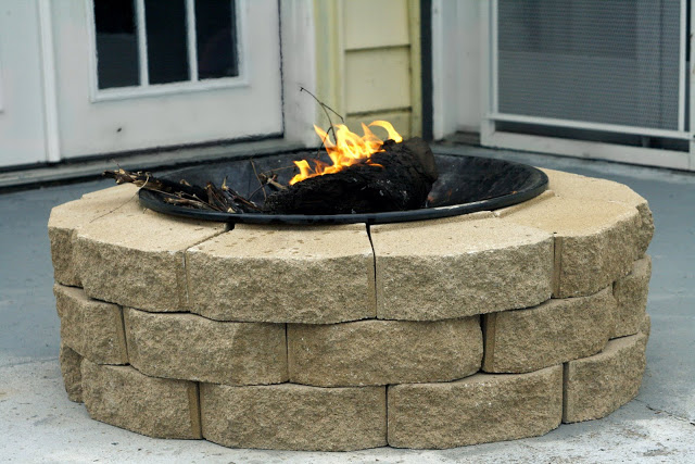 Inexpensive Backyard Fire Pits : 12 DIY Fire Pits For Your Backyard  The Craftiest Couple