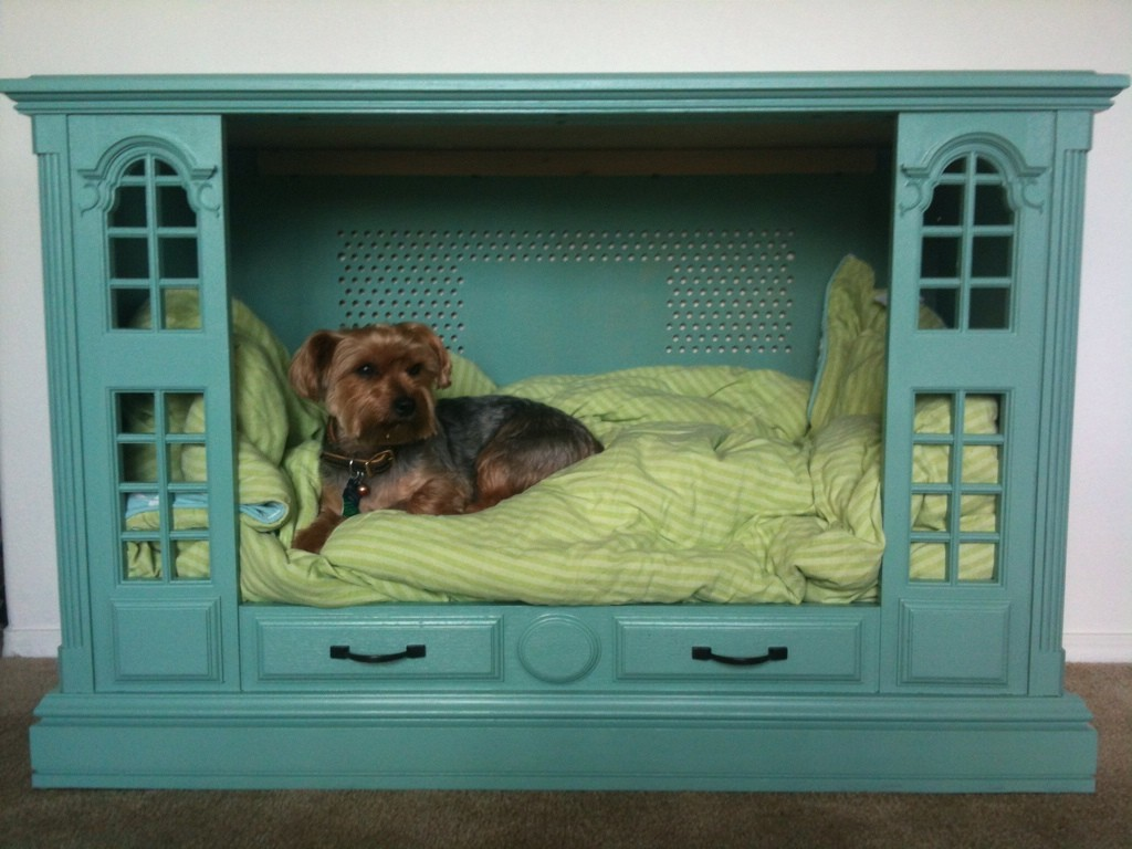 Old TV Dog Bed