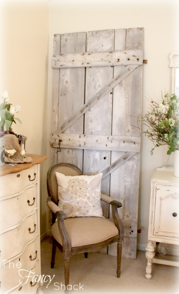 Barn Door Decor
