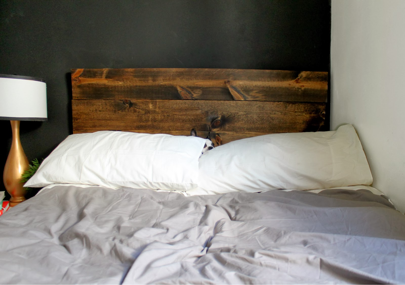20 diy headboard projects the craftiest couple for Makeshift headboard