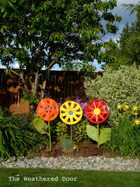 DIY Hubcap Garden Flowers