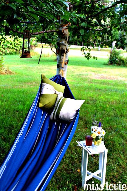 Easy DIY Backyard Hammock