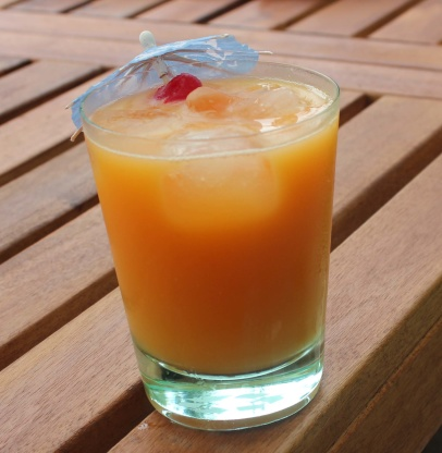 Peach Paradise Cocktail